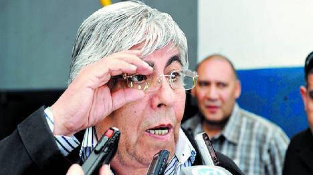 Según Moyano, el piso ya lo fijó el aumento a los policías