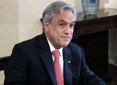 Piñera llamó a Bachelet para felicitarla por su triunfo