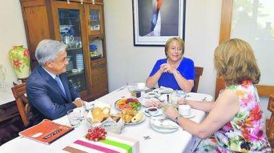 Bachelet dice que se tomará un tiempo para armar su gabinete