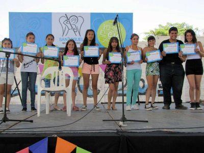 Cerraron a lo grande los centros culturales Mitre, El Faro y Obligado