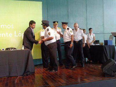 Jorge Macri distinguió a policías