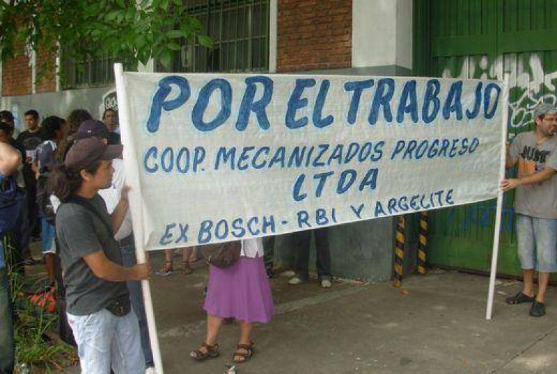 Ex trabajadores marchan a las oficinas de Bosch