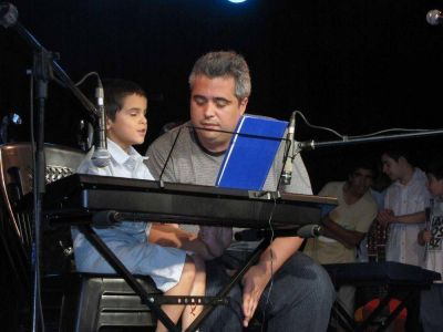 """El Centro Cultural """"Bella Vista Norte"""" cerró con un gran show en el Teatro Marechal"""