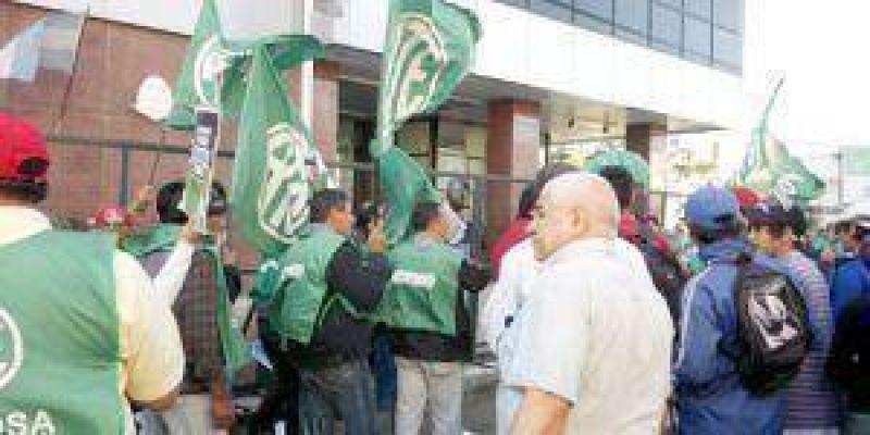 Gremios marchan hoy pidiendo Plus de $2.000