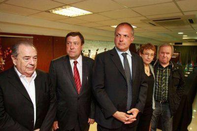 La Pampa firm� un acuerdo para que las petroleras paguen 3% de Ingresos Brutos