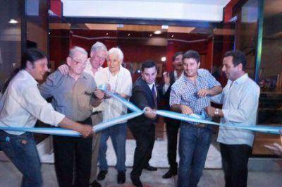 Arriba el telón para el nuevo teatro El Chasqui