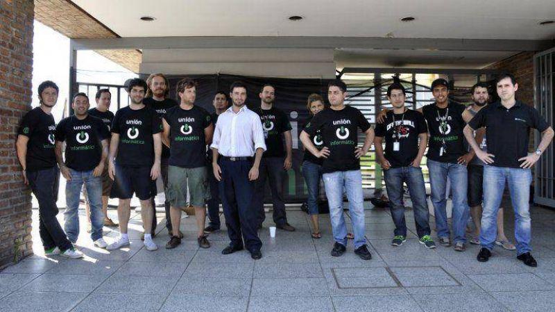 Trabajadores de IBM paran en reclamo de mejoras salariales