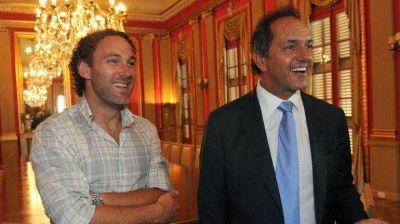 Daniel Scioli se reunió con Gabriel Milito para reconocer su trayectoria