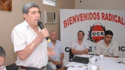 """""""Por la grave situación social y posibles saqueos, la UCR pasó la Convención para el próximo año"""""""