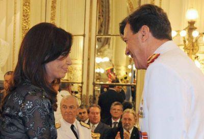 Milani se reunió con militares retirados y busca sumar poder