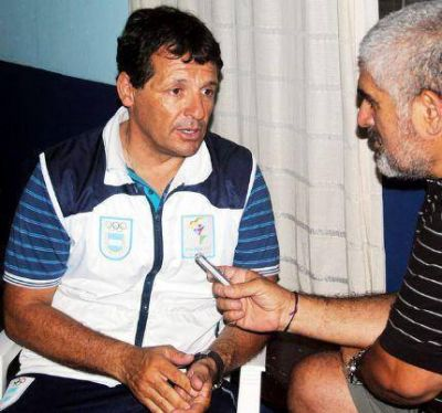 El senador Juan Curuchet rechazó el alquiler del Polideportivo a Flavio Mendoza