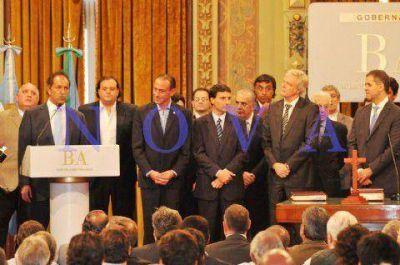 En medio de guiños con De la Sota y Moyano, Scioli puso en funciones a nuevos miembros del Gabinete