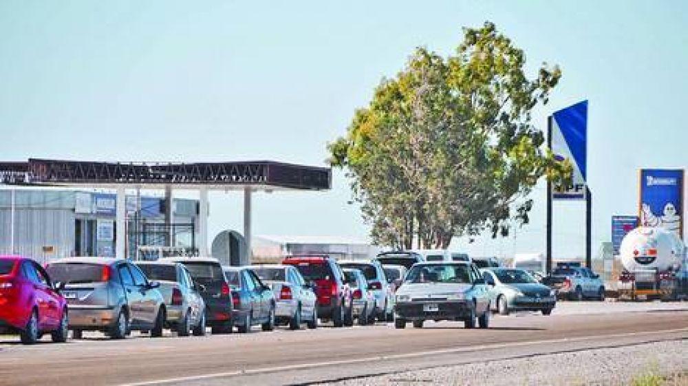 Paran los petroleros en el sur y temen por la falta de naftas