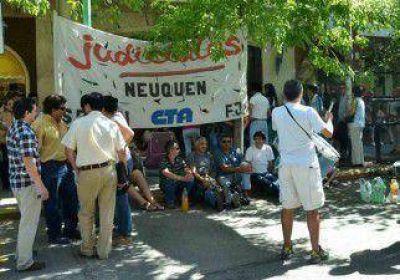 El TSJ postergó reunión con gremio para discutir salarios