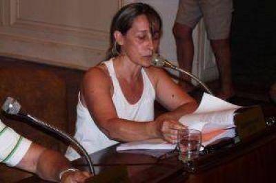 La Concejal De Lucia pidió se cree una comisión investigadora por las denuncias contra Quiroga