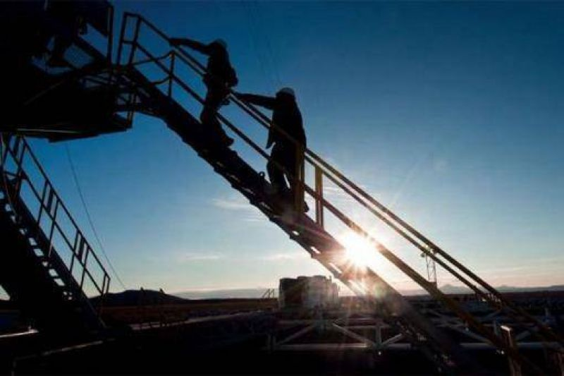 YPF firma con Chubut la adecuación a la ley provincial de hidrocarburos