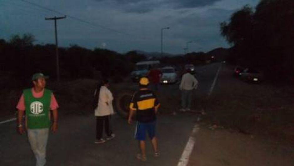 Ávila vinculó piquete municipal con una movida política de funcionarios provinciales