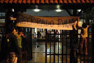 """Afirman que Arnau """"criminaliza a los estudiantes para justificar un negocio en la UNJu"""""""