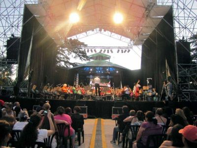 El Coro Polifónico Nacional brindó un gran espectáculo en la nueva Plaza de las Carretas