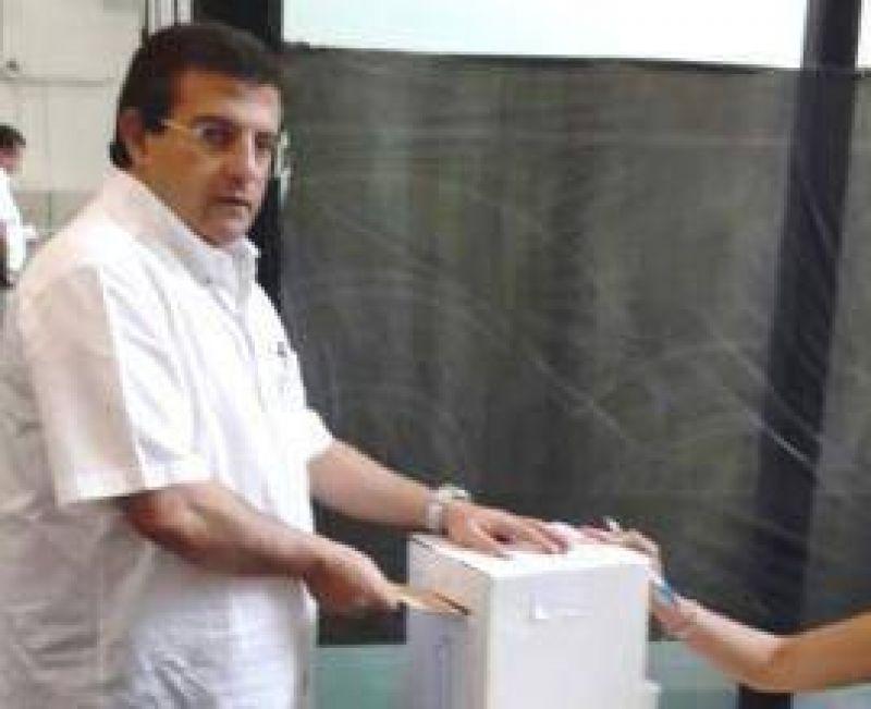Banco del Tucum�n: Carlos Cisneros gan� con el 92% de los votos