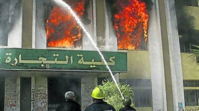 La violencia se expande en Egipto y queman una célebre universidad