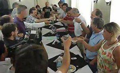 """Venegas habló de la necesidad de ir a elecciones y dijo que el intendente """"tiene que mostrarle la cara a los necochenses"""""""
