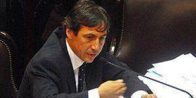 Para el senador Naidenoff la crisis energética es la crónica de un final anunciado