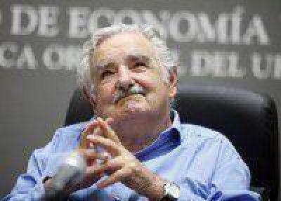 """Mujica ratificó la ayuda a Argentina: """"Hoy por ti, mañana por mí"""""""