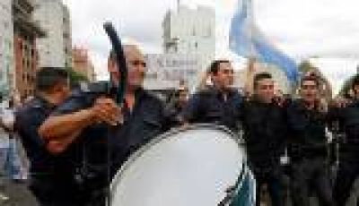 El Gobierno bonaerense asciende a 12.764 polic�as a 20 d�as de la protesta salarial