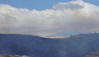 Por aire y tierra combaten el incendio detrás de San Andrés de la Sierra