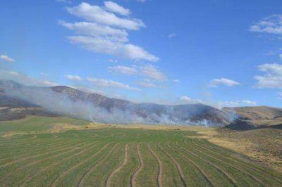 Contuvieron el fuego que iba hacia Sierra de la Ventana