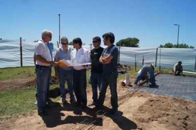 Se construyen los playones deportivos financiados por el Ministerio de Educaci�n