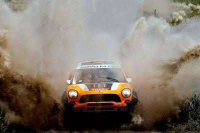 Rally Dakar 2014: la travesía arrancó con su popular magnetismo