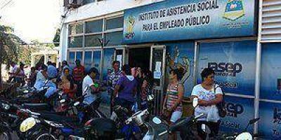 Las oficinas del PAMI y el IASEP trabajan a pleno en estos días