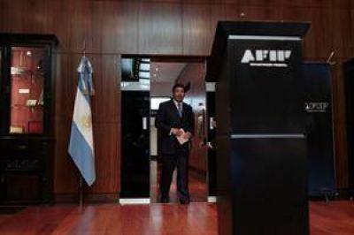 """Denuncian penalmente a Ricardo Echegaray por """"violar el secreto fiscal"""""""