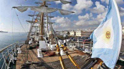 La Fragata Libertad está en el puerto a un año de haber vuelto a la Argentina