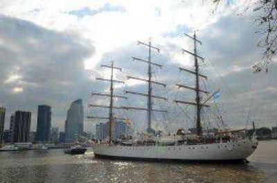 A un año de su recuperación, la Fragata Libertad vuelve a navegar
