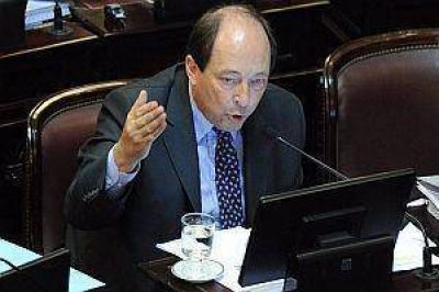 "Sanz: ""Menem import� tomates y destruy� la producci�n local"""