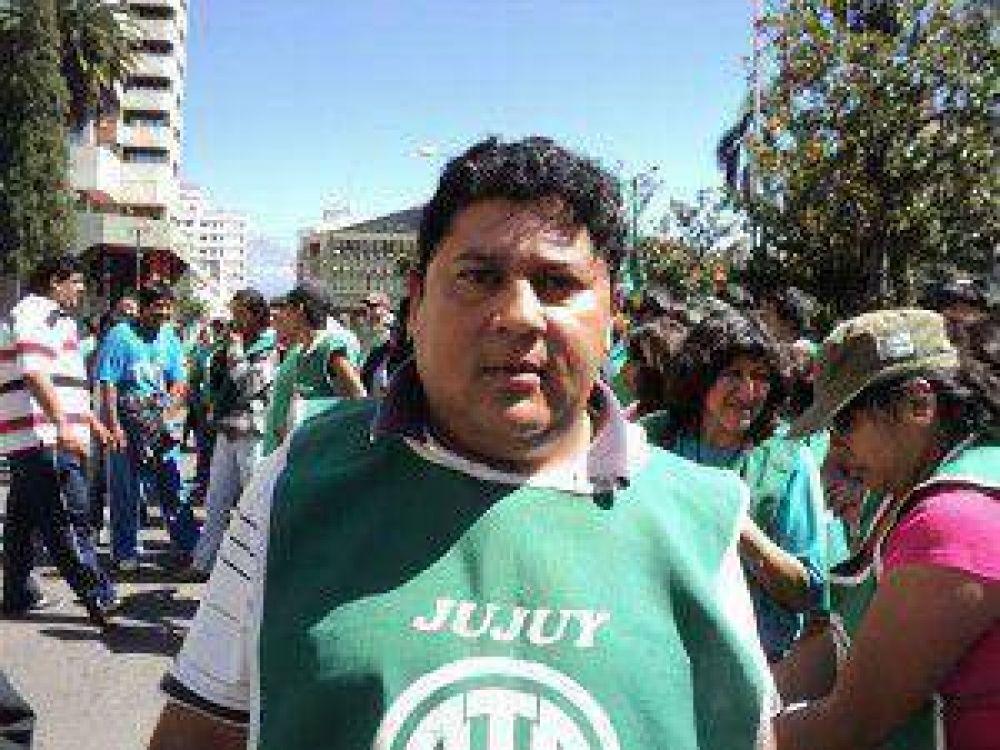"""Si el gobierno dá el aumento a los policías """"está diciendo que en Jujuy el salario mínimo, vital y móvil tiene que estar por arriba de los 7 mil pesos"""""""