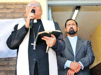 Dura crítica del Arzobispado al padre Ignacio por avalar el matrimonio gay