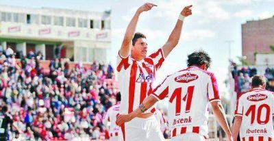 """Unión ganó 1 a 0 con gol del """"Potro"""" Salinas"""