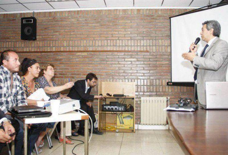 �ltimo round en la pelea entre D�az Russo y ATE: el ministro saliente se meti� con las licencias sindicales