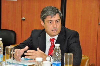 Para el presidente del Tribunal de Cuentas, monotributistas son empleados públicos