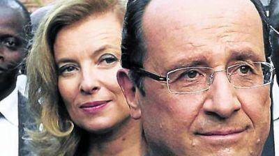 Otro apuro para Hollande: internaron a su mujer