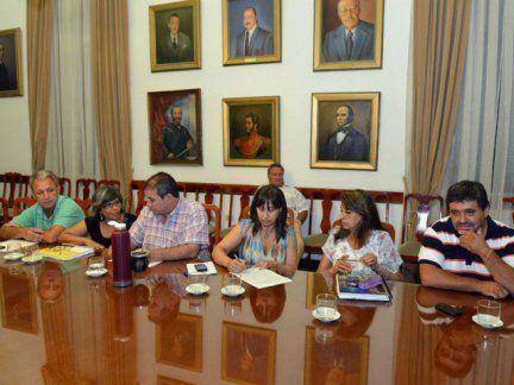 Discusión salarial: Gremios volverán a reunirse este martes con funcionarios entrerrianos