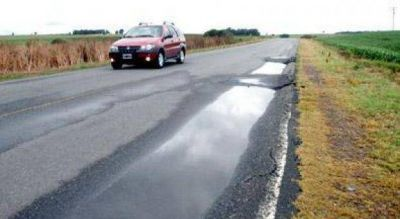 Provincia firmó el contrato para el refuerzo estructural de la ruta provincial 74