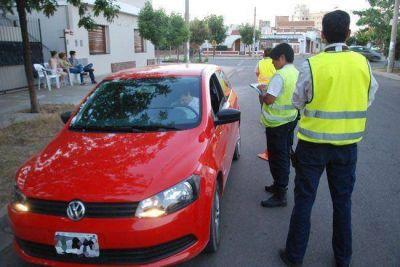 Pol�mica: aplican multas a quienes no usan cintur�n de seguridad