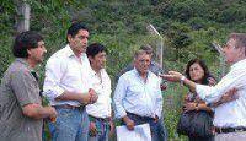 Comprometen obras y mejoras para vecinos de los lotes de Lozano