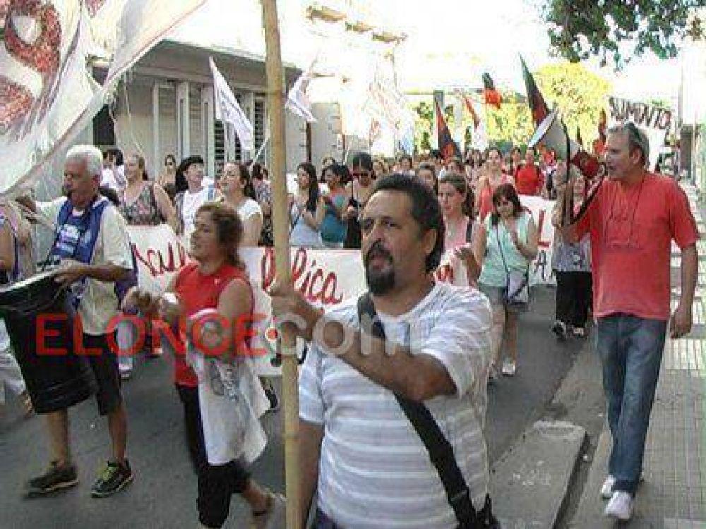 """""""Le pedimos al Gobierno que se saque las orejeras y atienda el clamor de los trabajadores"""""""
