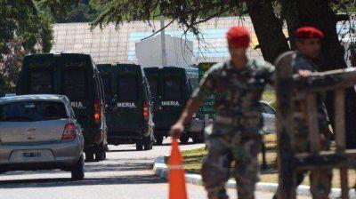 Los gendarmes ya est�n en C�rdoba a disposici�n de De la Sota